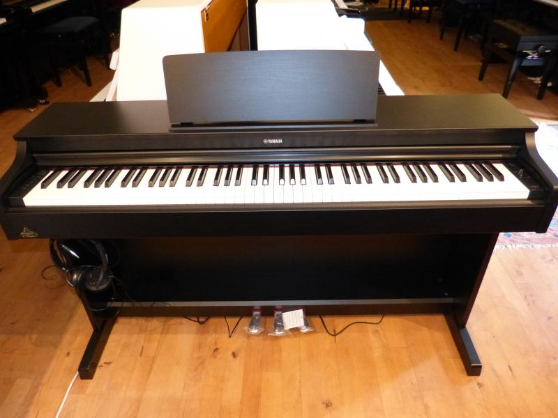 Yamaha YDP 163 B Ausstellungsinstrument