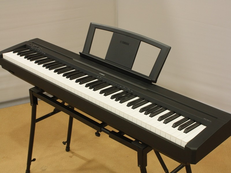 Yamaha P-45 B ohne Ständer Ausstellungsinstrument