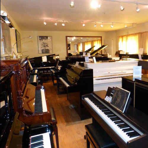 Klaviere, Flügel, E-Pianos, Hammonds