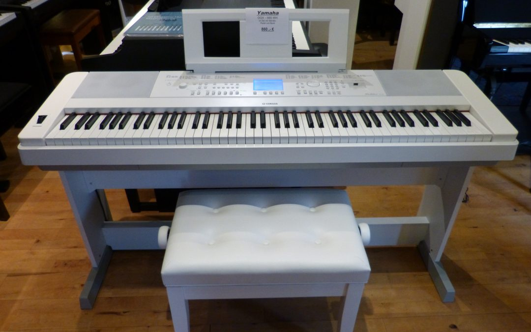 Yamaha DGX 660 WH im Set Ausstellungsinstrument