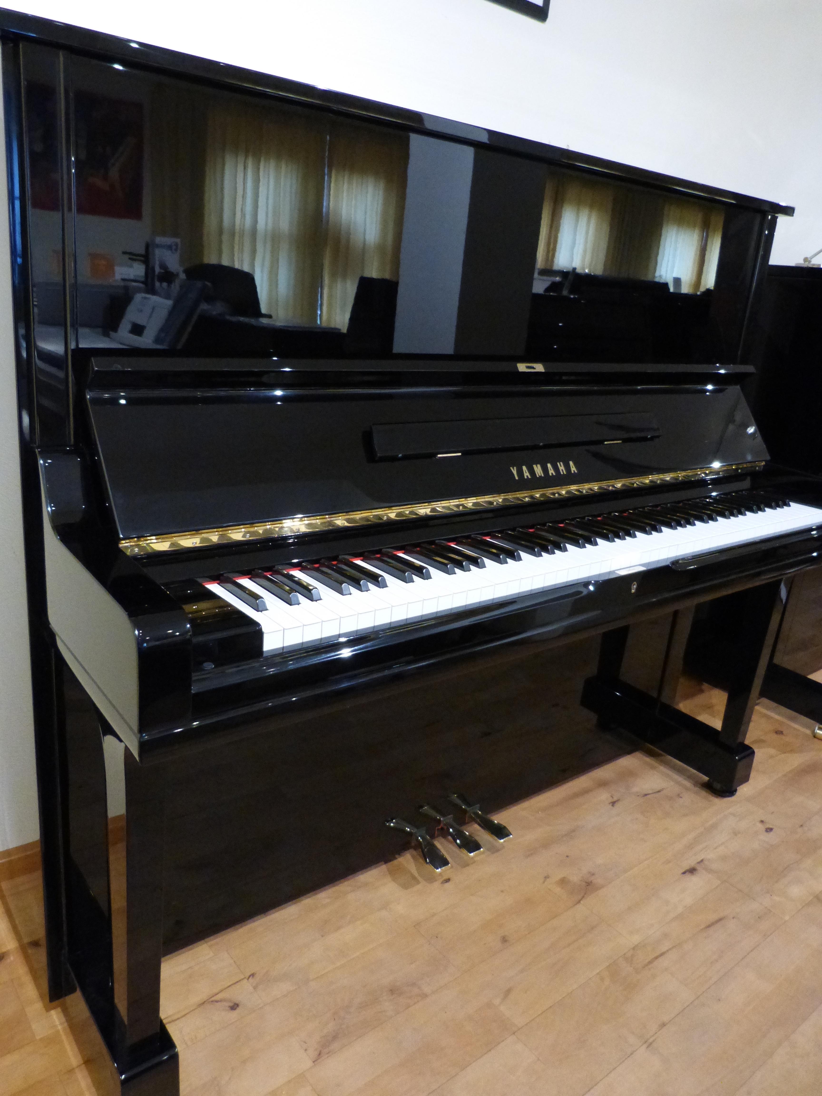 Yamaha U3A8