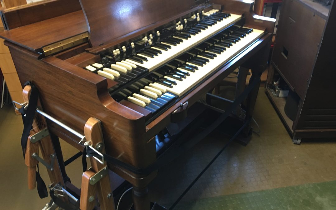 Hammond B3 mit Leslie 122 zur Vermietung